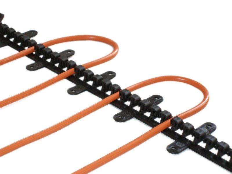 Plastová T-lišta pro fixaci kabelu, 50cm