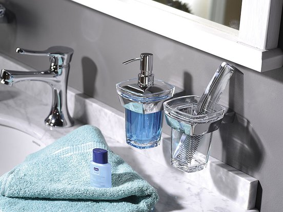 London Bathroom Accessories Are An Unconventional Combination Of Materials Br Chrome Plated With Durable Acrylic A Hardened Scratch Resistant Plastic